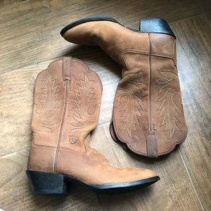 Ariat women's brown cowboy boots size 8
